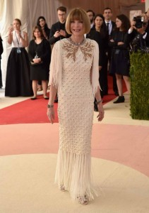 Anna Wintour - anfitriã do evento - vestiu Chanel