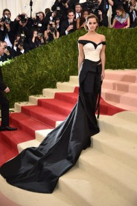 Emma Watson vestiu Calvin Klein