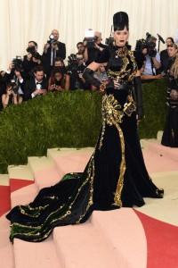 Katy Perry vestiu Prada