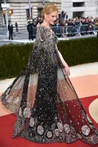Nicole Kidman vestiu Alexander McQueen