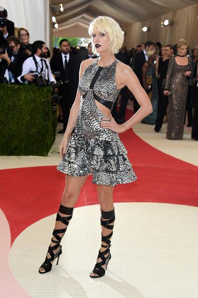 Taylor Swift vestiu Louis Vuitton