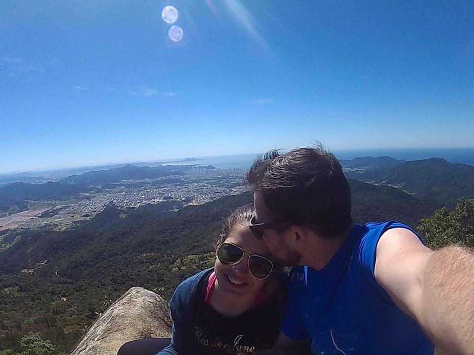 Trilha do Pico da Pedra em Camboriú-SC. Paisagem e companhia maravilhosas <#
